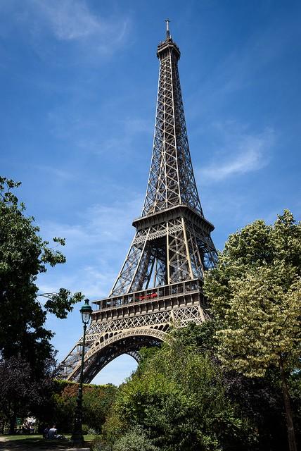 Torre eiffel el monumento m s visitado descubriparis for Quien hizo la torre eiffel