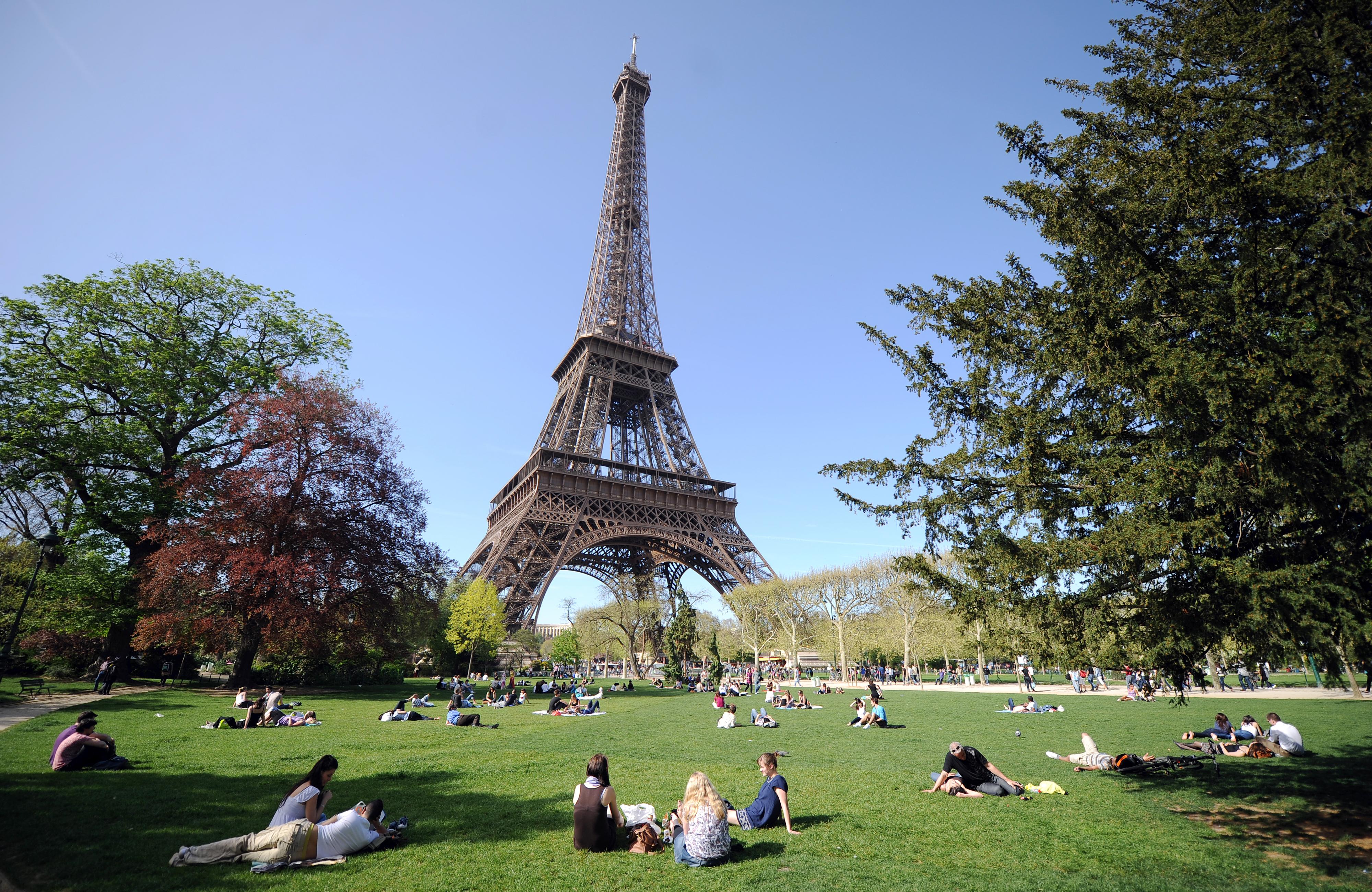 Clima en par s conoce como va a estar el tiempo for Parigi wallpaper