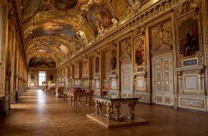 Interior del Louvre