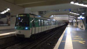 Linea 13 tren