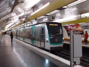 Linea 9 tren