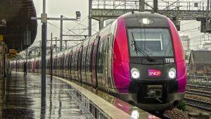 Tren RER E