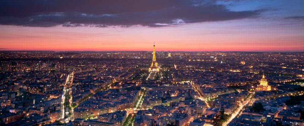 vista torre Montparnasse de noche